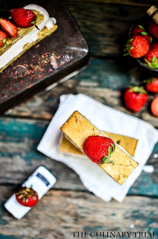 Blondie-Strawberry-Icecream-Sandwich-2