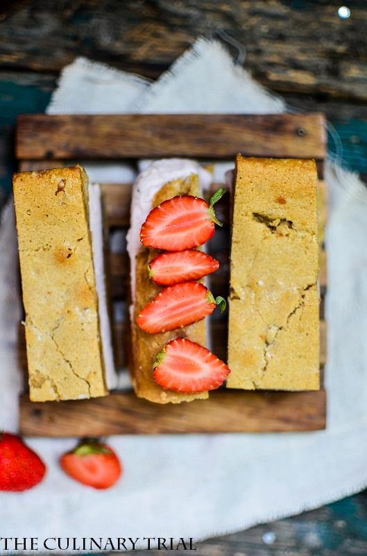 Blondie-Strawberry-Icecream-Sandwich4-2