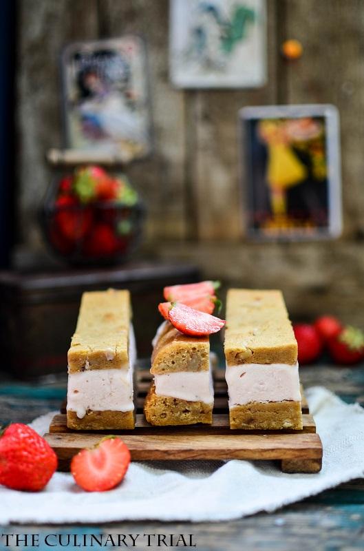 Blondie-Strawberry-Icecream-Sandwich5-2