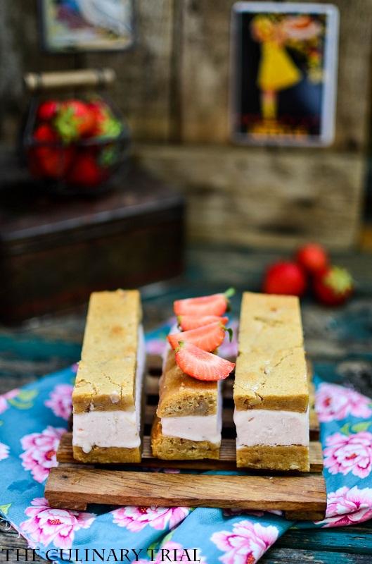 Blondie-Strawberry-Icecream-Sandwich6-2